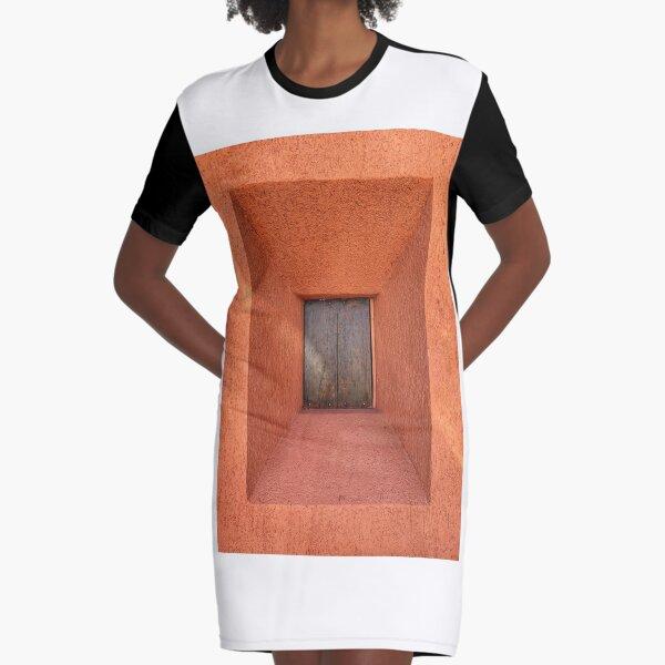 illusion wall Graphic T-Shirt Dress