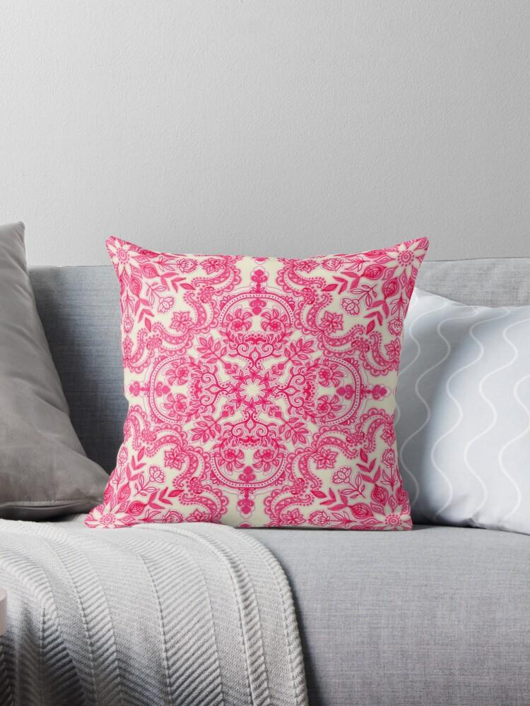 Pink & Soft Creme Volkskunst Muster von micklyn