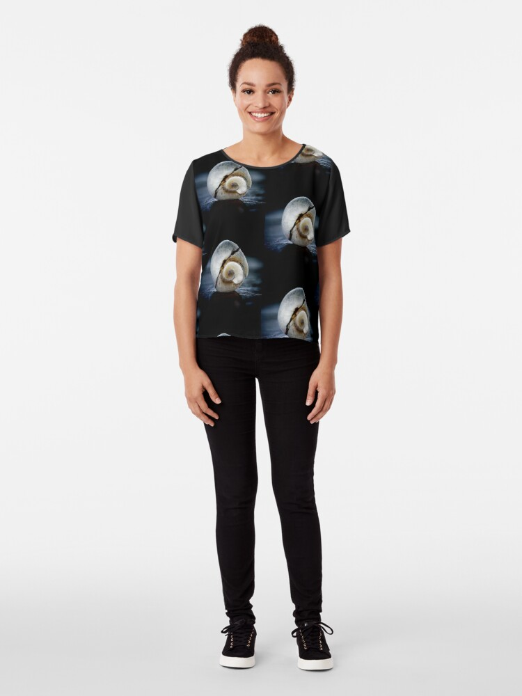 Vista alternativa de Blusa Un poco agrietado y hermoso - una imagen para la salud mental