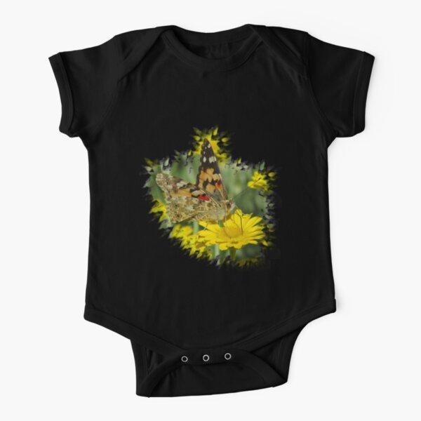 wundervoller Schmetterling auf einer gelben Blume Baby Body Kurzarm
