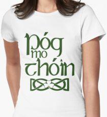 Pog Mo Thoin (Küsse meinen Arsch) Tailliertes T-Shirt