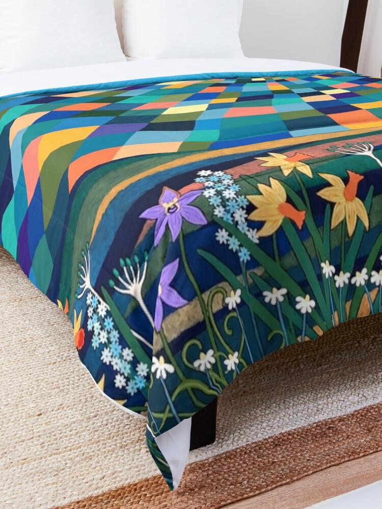Alternate view of Bright Sun Shiny Day Comforter
