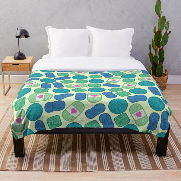 Peacock Yarn Pattern Throw Blanket