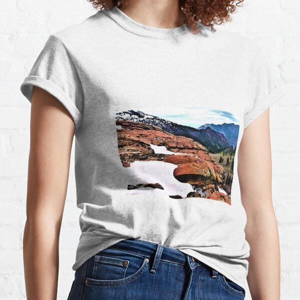 vue sur le rocher rouge T-shirt classique