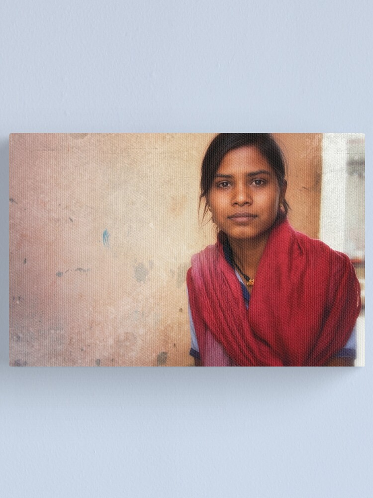 Alternate view of the girl in the red shawl  Canvas Print