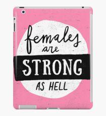 Frauen sind stark wie die Hölle | Rosa iPad-Hülle & Klebefolie