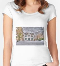 Carriage and House Women's Fitted Scoop T-Shirt