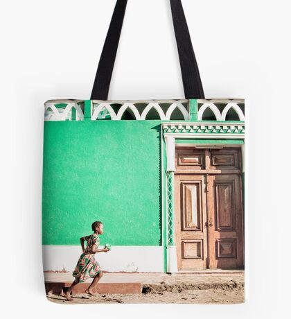 Girl at Green Mosque (IlhaMoç) Tote Bag