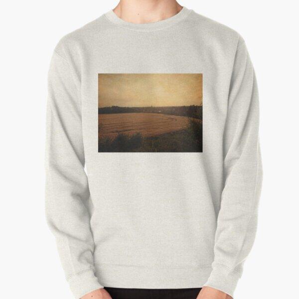 Baal mountains skyline, retro Pullover Sweatshirt