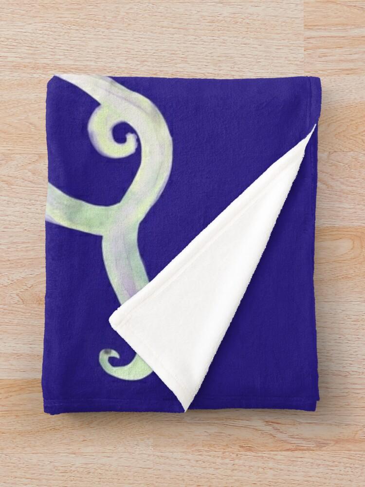 Alternate view of Ghostly Octopus, Spookseekat Throw Blanket
