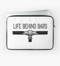 BIKE, Fahrrad, Kriminalität, Fahrrad, Leben hinter Gittern, geraden Gittern, auf WEISS Laptoptasche