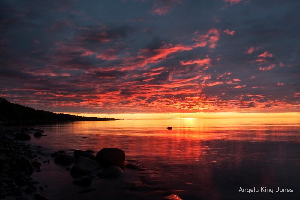 Glory glory by Angela King-Jones