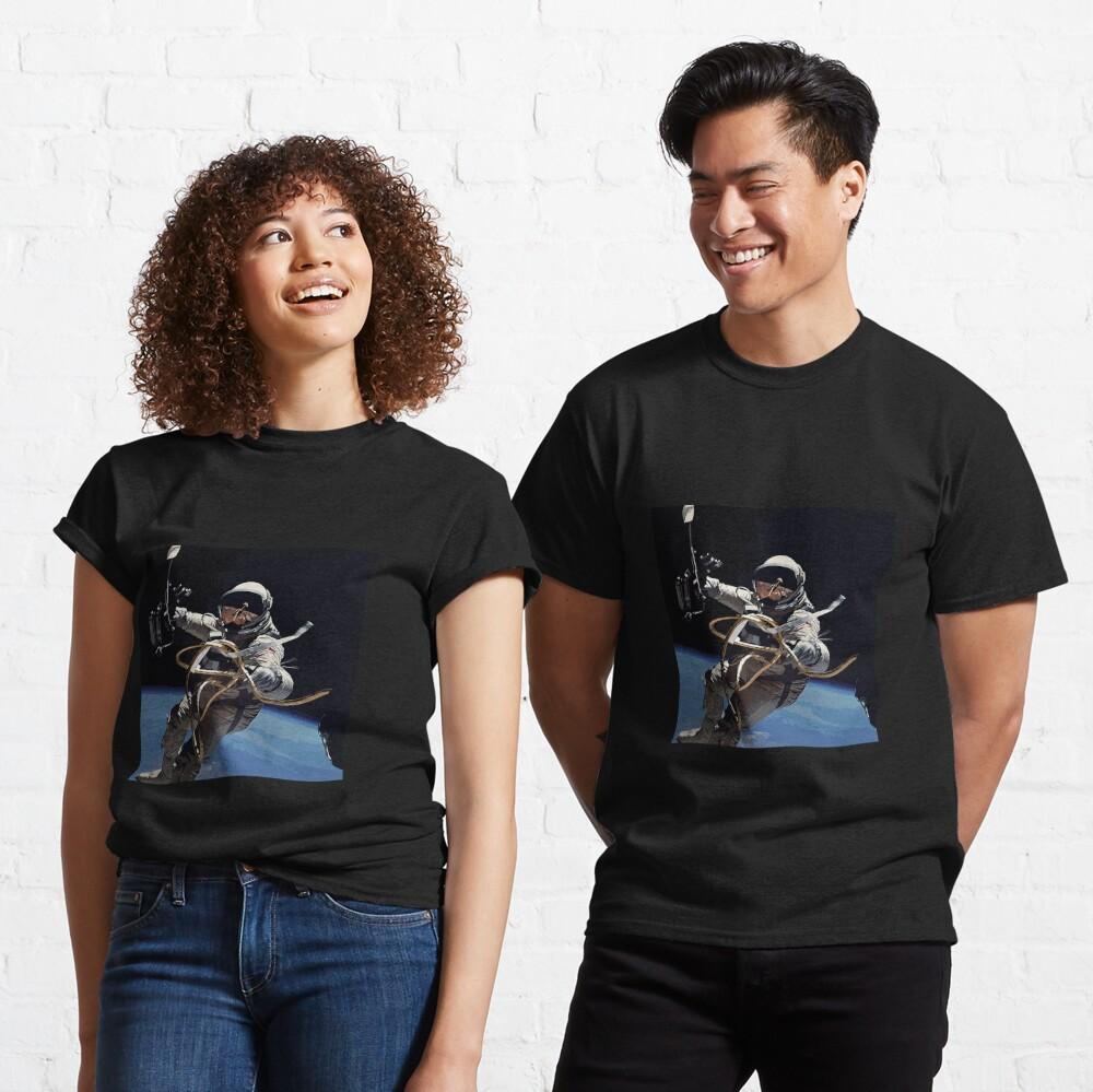 Astronaut Ed White's Spacewalk Colour Vector Art Classic T-Shirt