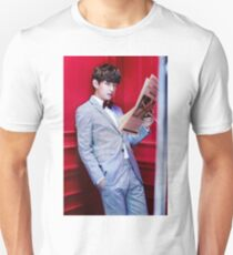 V 쩔어 Unisex T-Shirt