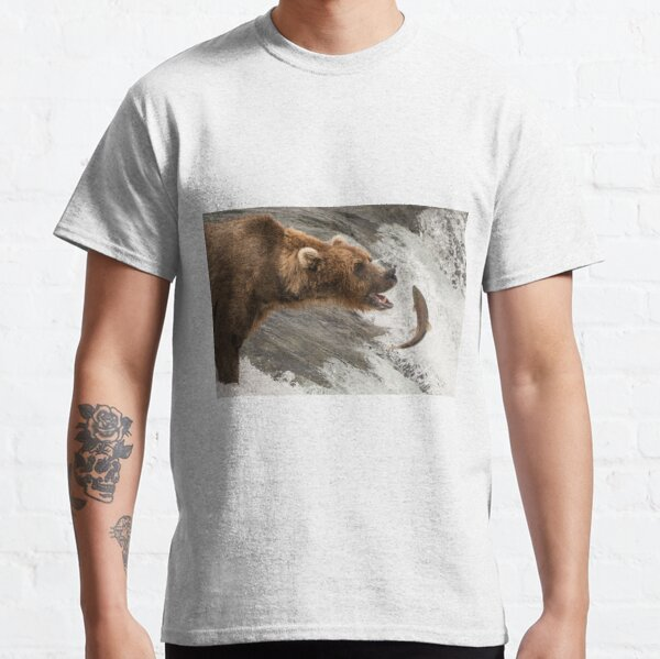 Brown bear about to catch a salmon Classic T-Shirt