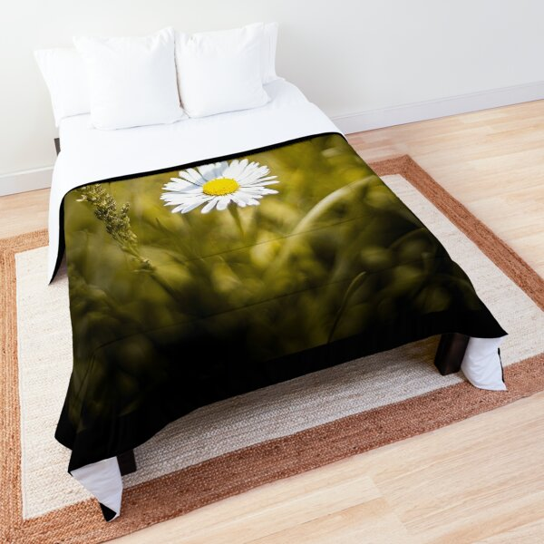 The lonely daisy Comforter