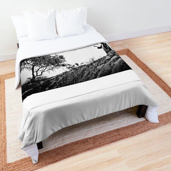 A weird tree connection Comforter