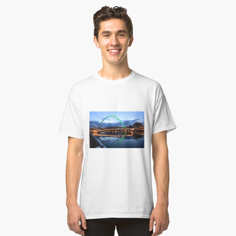 Gateshead Millennium Bridge, Reflections Classic T-Shirt
