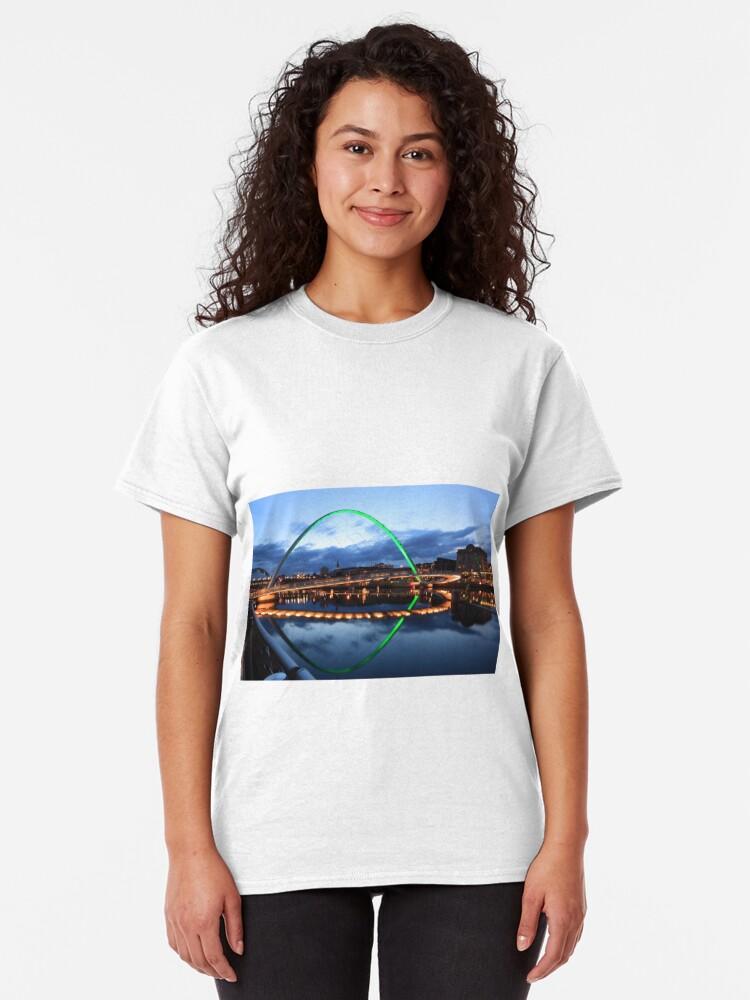 Alternate view of Gateshead Millennium Bridge, Reflections Classic T-Shirt