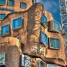 Dr Chau Chak Wing Building, University of Technology, Sydney by Erik Schlogl