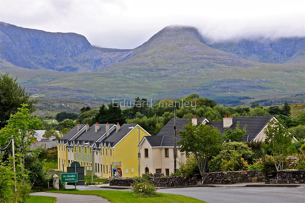 Sneem town kerry Eire by Edward  manley