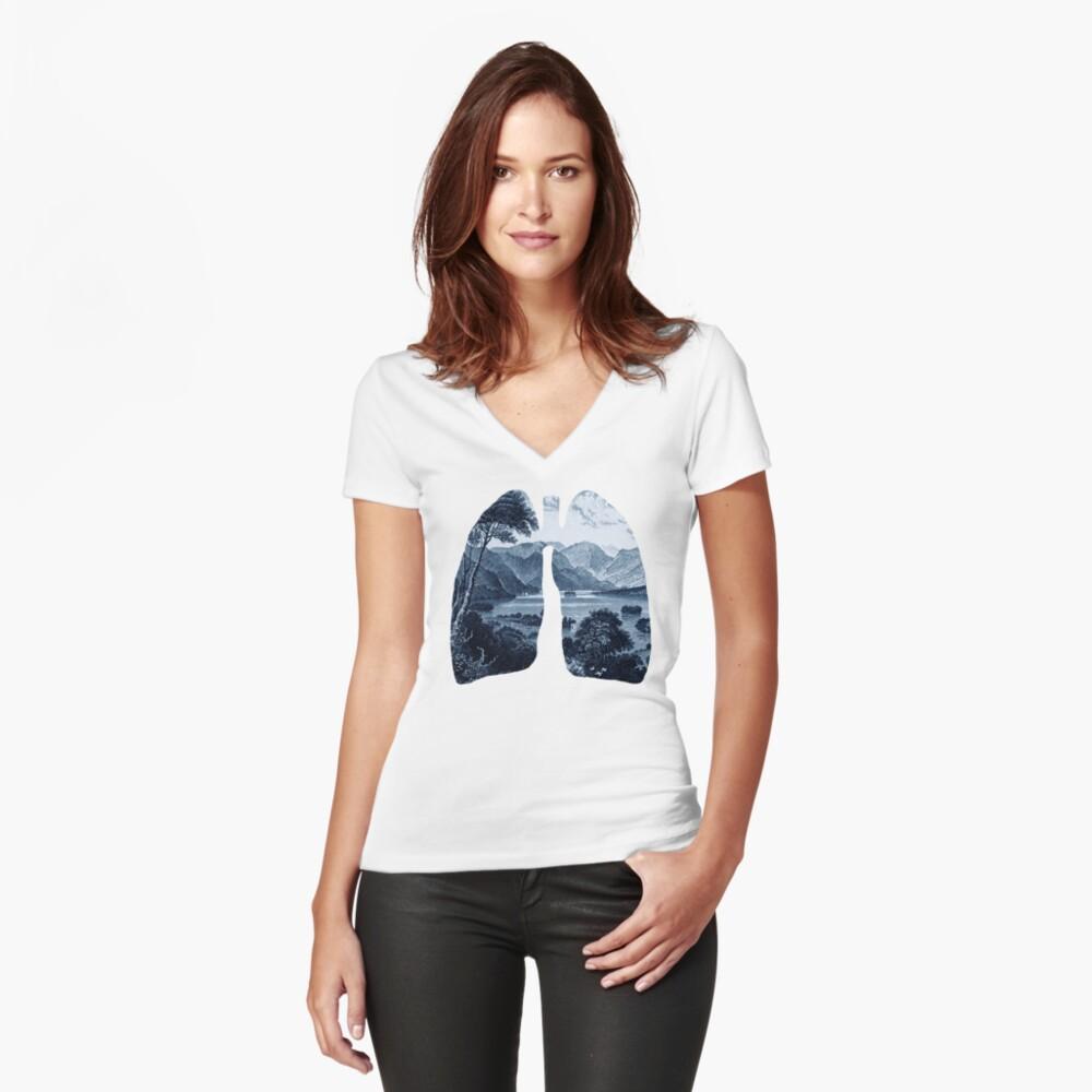 Frisch Tailliertes T-Shirt mit V-Ausschnitt