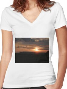 Donegal sunset Women's Fitted V-Neck T-Shirt