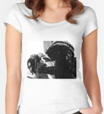 Wicker Squirrel in Love Women's Fitted Scoop T-Shirt