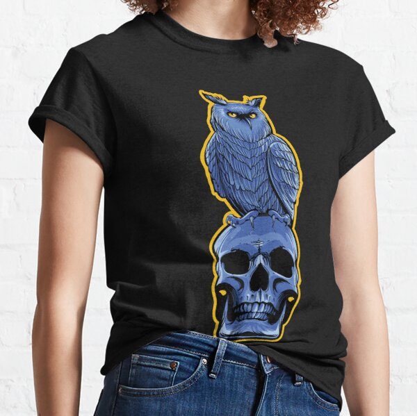 Owl and the Skull Classic T-Shirt