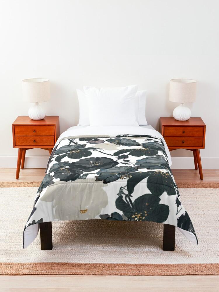 Alternate view of Black Roses Pattern Comforter
