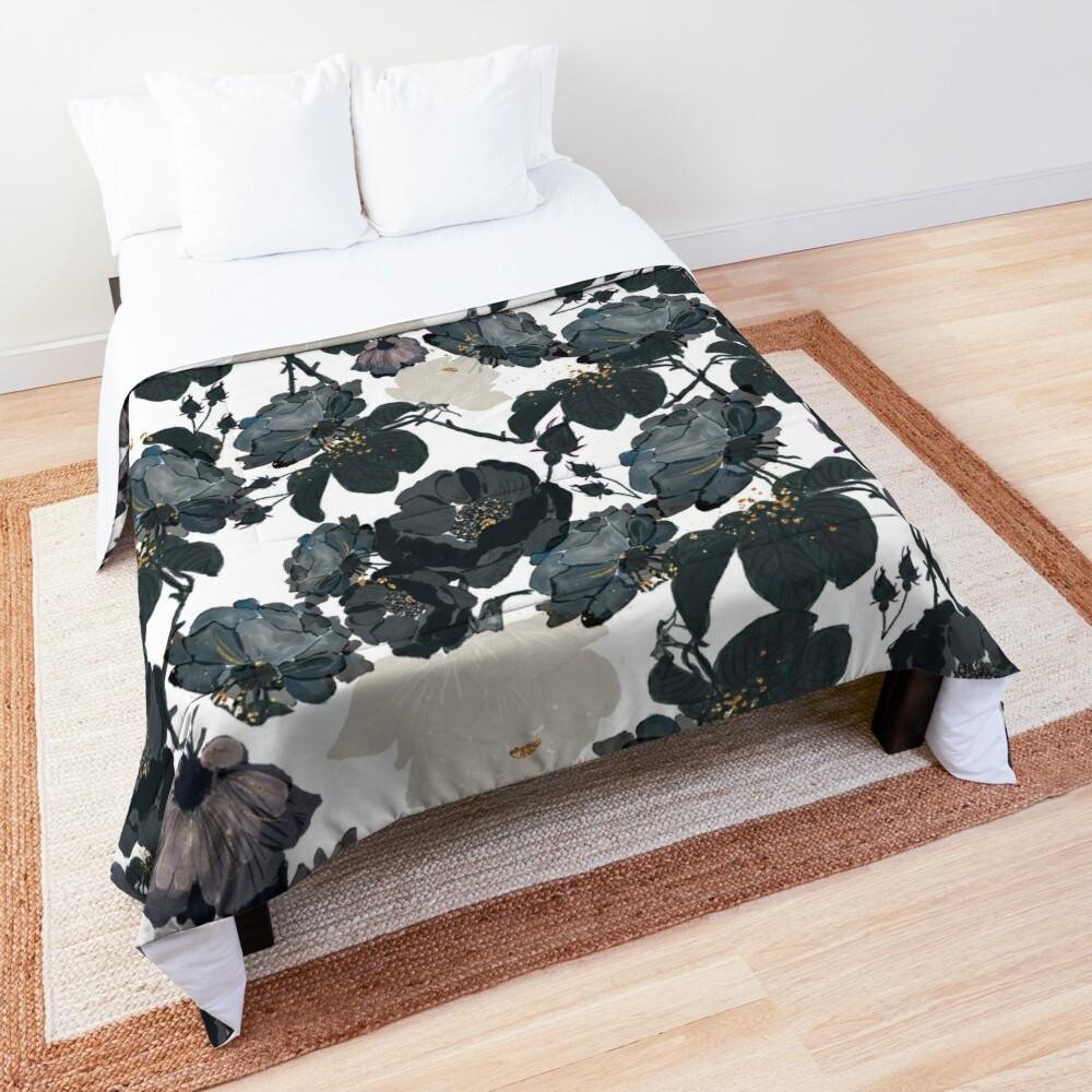 Black Roses Pattern Comforter
