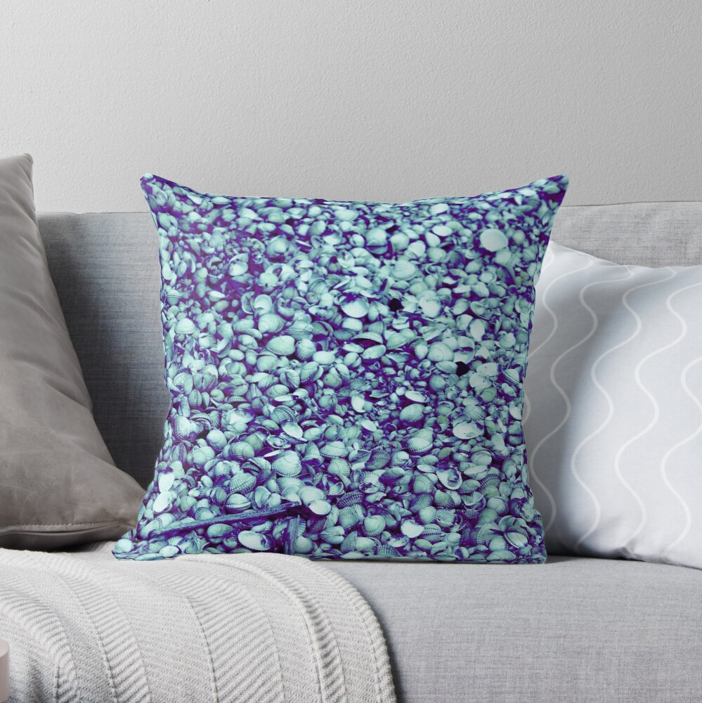 Cockle shells in blue Throw Pillow