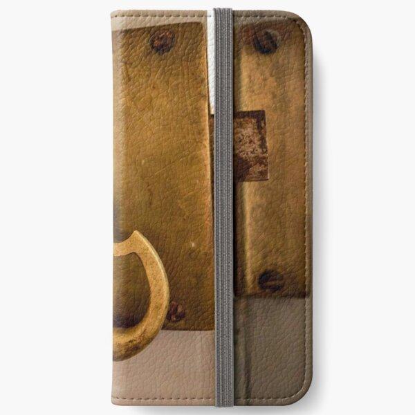 WanderLust - Lock iPhone Wallet