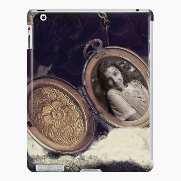 WanderLust Locket iPad Snap Case