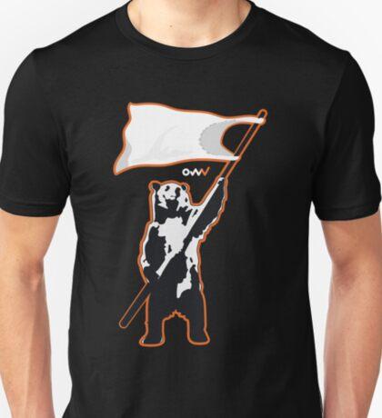 Bear surrendering T-Shirt