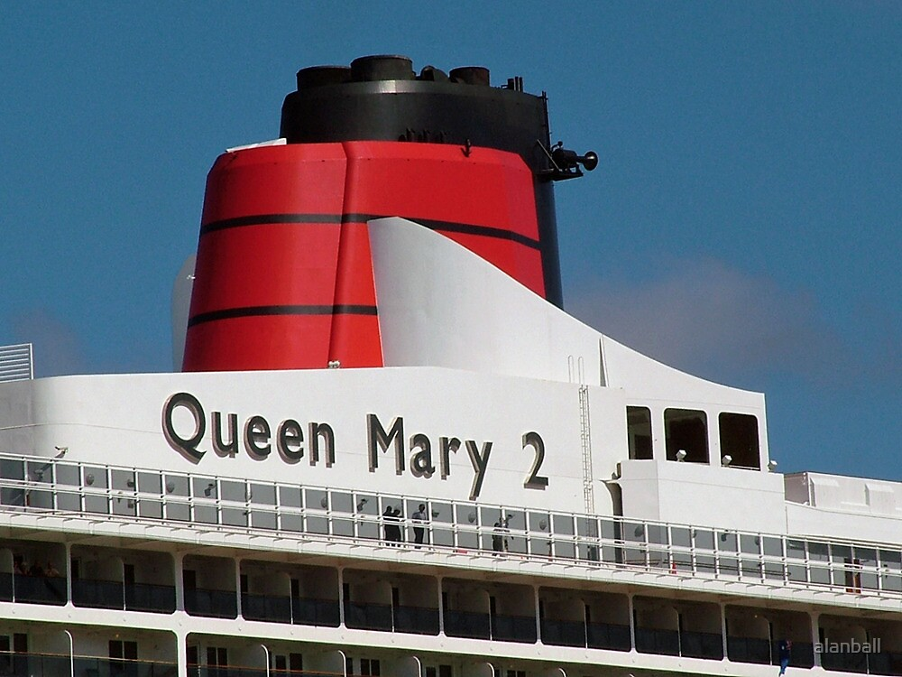Queen Mary 2 funnel by alanball