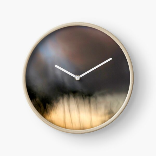 Upon my shoulders Clock