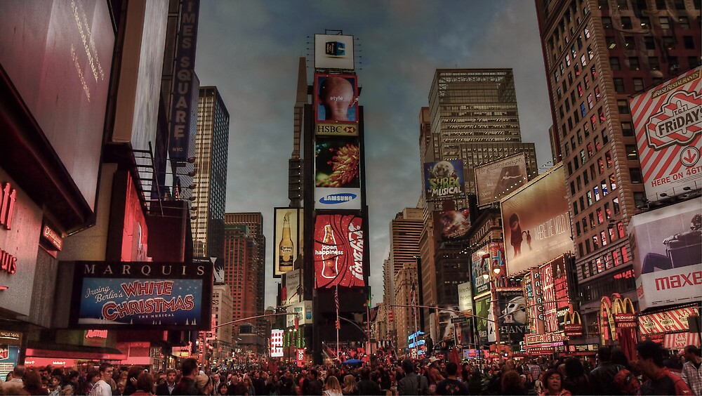 Times Square in the evening by Andrea Rapisarda