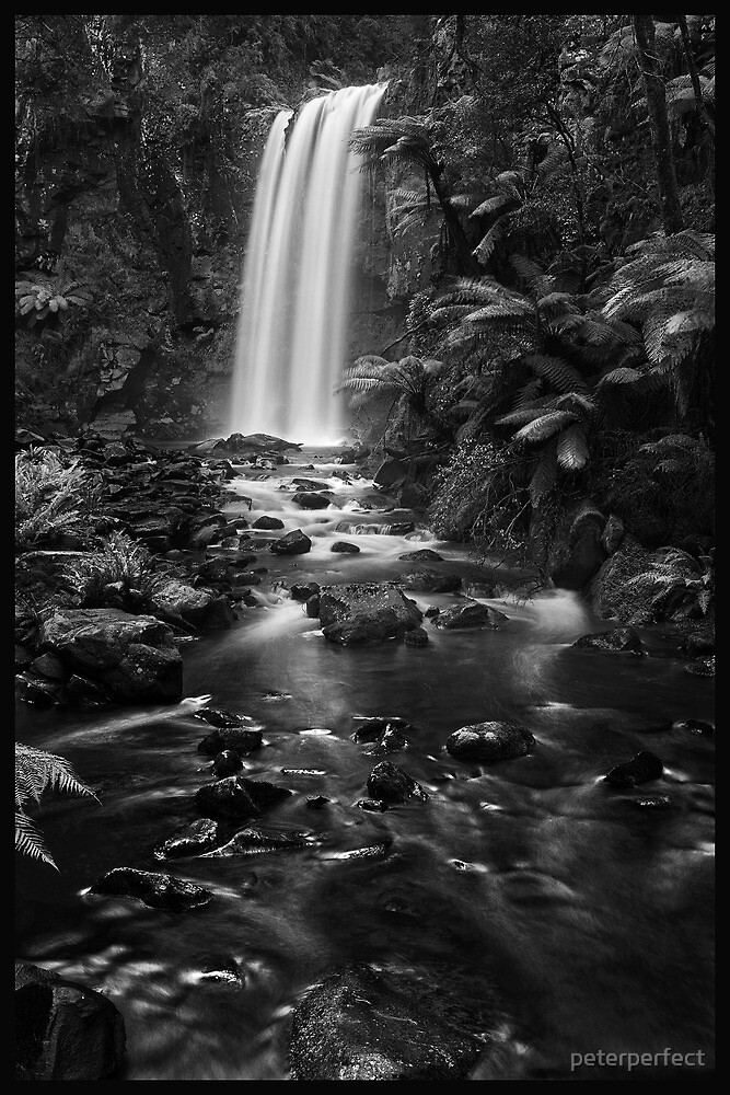 Hopetoun Falls in Mono by peterperfect