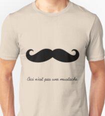 Ceci n'est pas une mustache Unisex T-Shirt