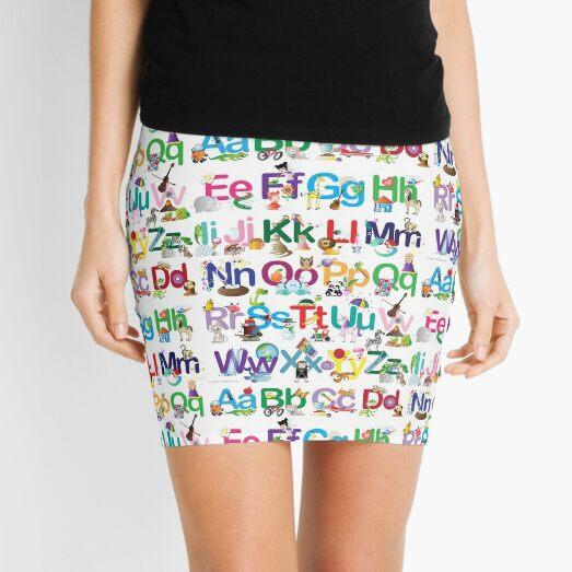 todo el alfabeto ilustrado y presentado en un brillante Minifalda
