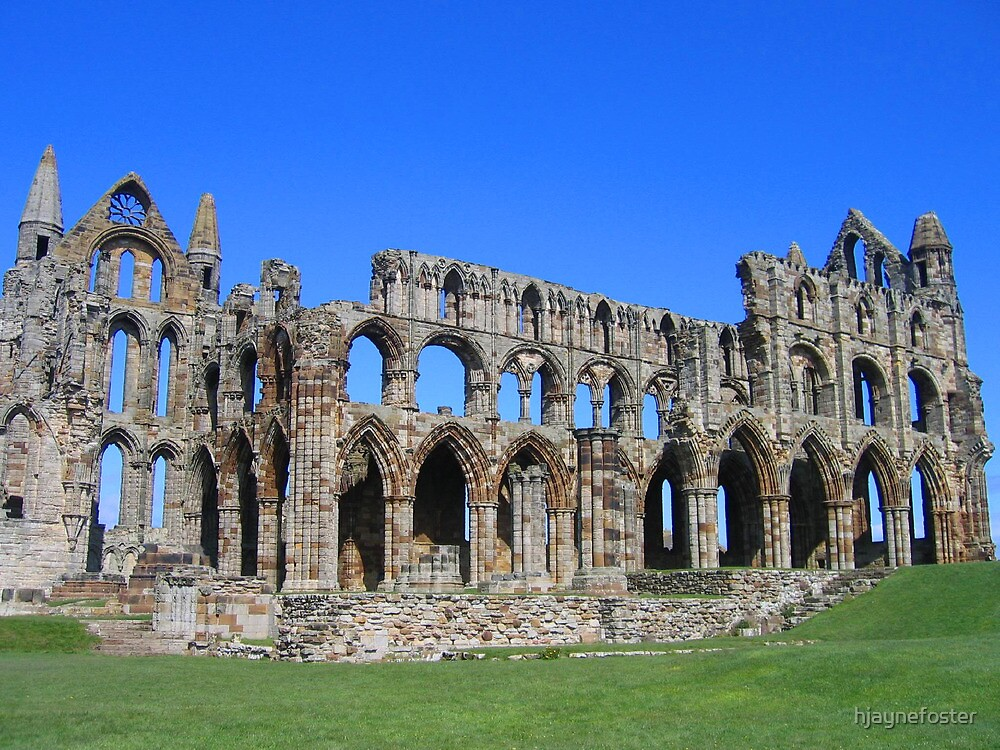 Whitby Abbey by hjaynefoster