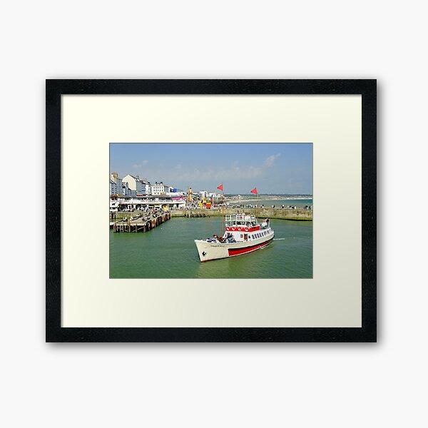 Yorkshire Belle in Bridlington Harbour Framed Art Print