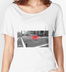 Monogatari – Red Crab Women's Relaxed Fit T-Shirt