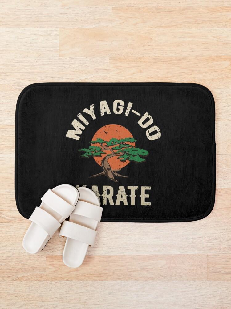 Alternative Ansicht von Miyagi tun Karate-Distress-T-Shirt Badematte