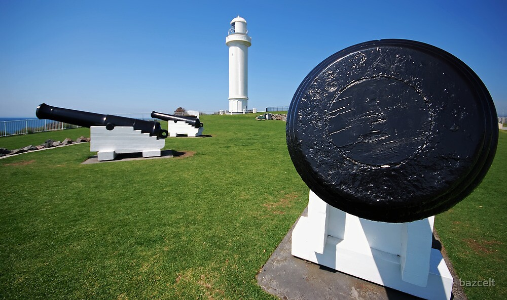Wollongong Lighthouse and Guards by bazcelt