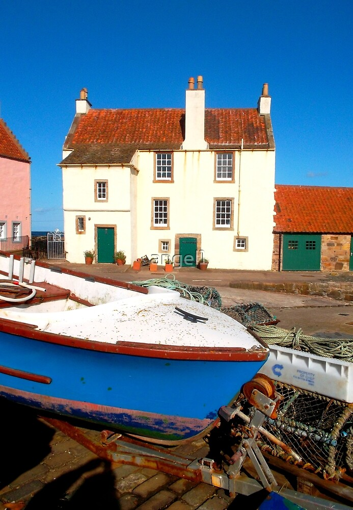 Gyles House ~ Pittenweem by ©The Creative  Minds