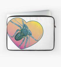 Amblypygi love - Phrynus whitei Laptop Sleeve
