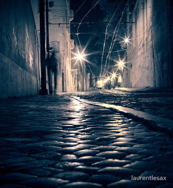 Lisbon by night by laurentlesax