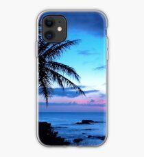 Tropische Insel-hübsche rosa blaue Sonnenuntergang-Landschaft iPhone-Hülle & Cover